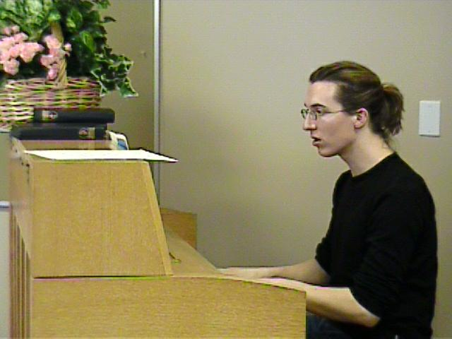 Daniel Koschitzki accompanies a lesson. [Dallas Recorder Society workshop and concert with the Amsterdam Loeki Stardust Recorder Quartet - Dallas, TX, Feb. 28-29, 2004]