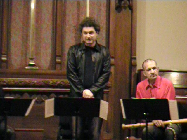 Daniel Bruggen introduces the next piece on the concert. [Dallas Recorder Society workshop and concert with the Amsterdam Loeki Stardust Recorder Quartet - Dallas, TX, Feb. 28-29, 2004]